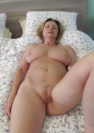 Granny porn photo with mature women